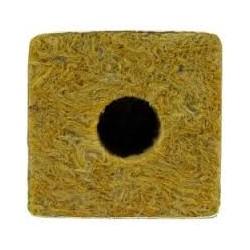 Taco de 5x5x5 cm, con un agujero